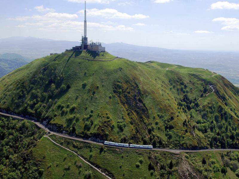Train Du Puy De D 244 Me Panoramique Des D 244 Mes H 244 Tel 224 5